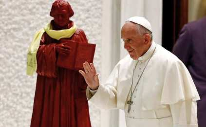 pope_and-luther