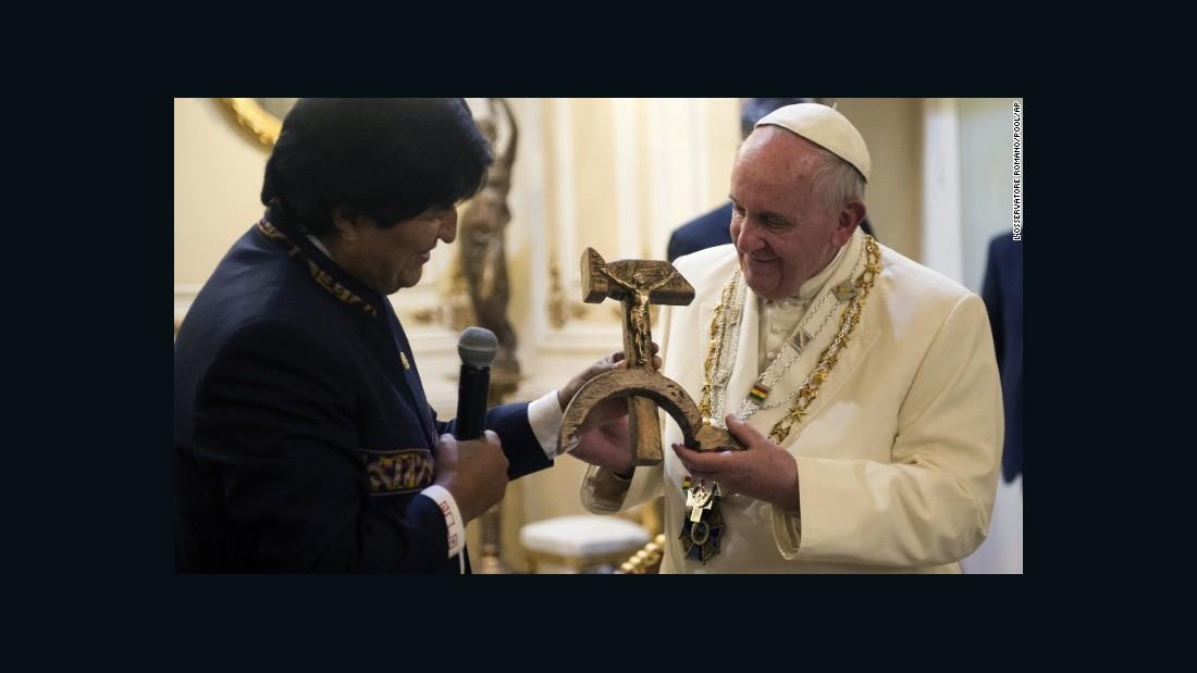 150710135158-pope-hammer-and-sickle-crucifix-super-169